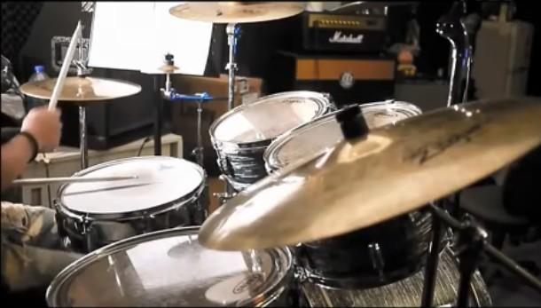 五月天星空架子鼓演奏视频