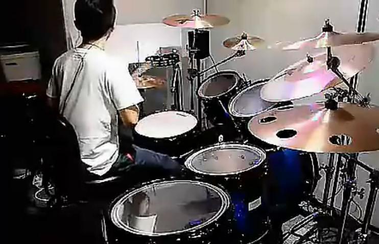 帅气架子鼓演奏不再犹豫视频